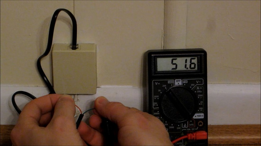 test the phone line with multimeter